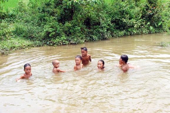 Nguyên nhân và giải pháp hạn chế tai nạn đuối nước ở trẻ em (8/7/2019)