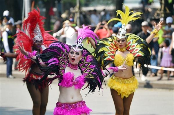 THỜI SỰ 6H SÁNG 14/7/2019: Hà Nội: Carnival đường phố, nhân kỷ niệm 20 năm nhận danh hiệu