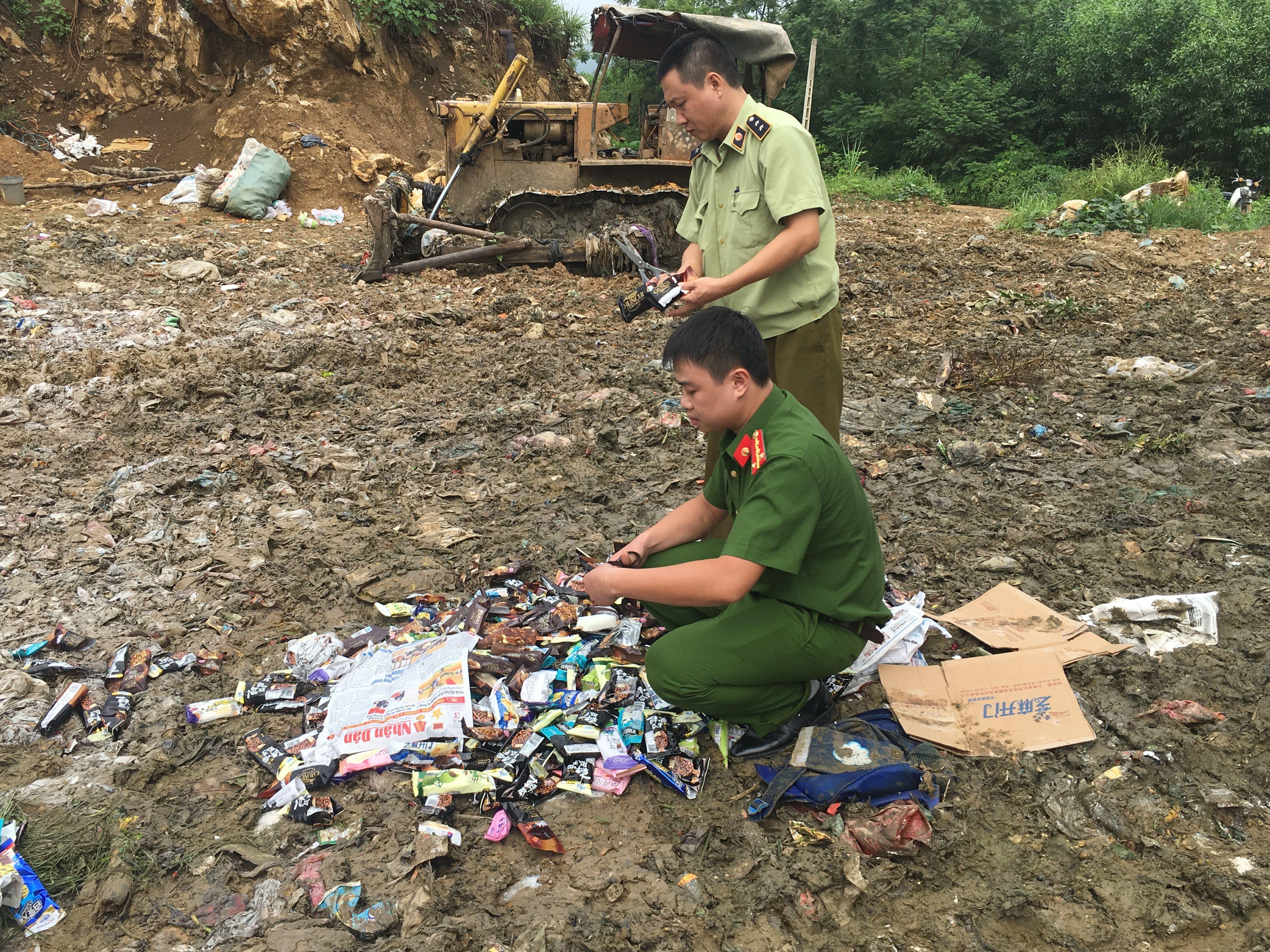 Tuyên Quang: Tiêu hủy kem do Trung Quốc sản xuất (18/7/2019)