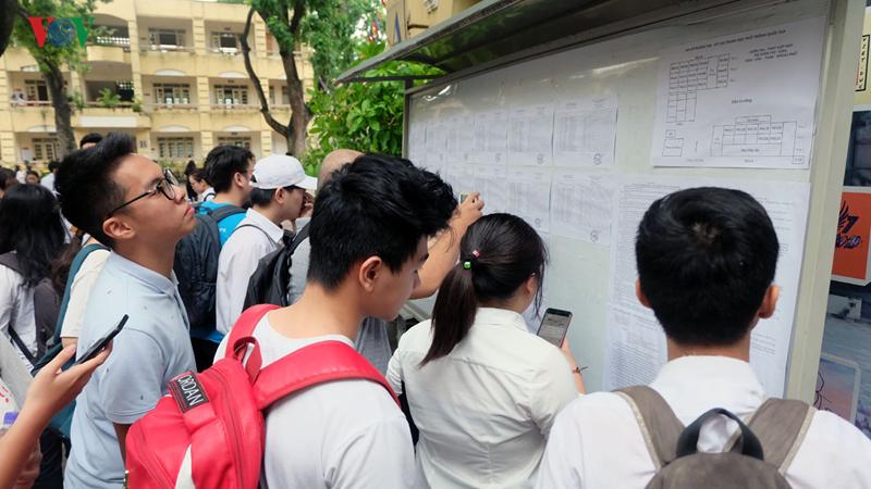 THỜI SỰ 21H30 ĐÊM 29/7/2019: Tổng cục Giáo dục nghề nghiệp lại tiếp tục cho 45 cơ sở giáo dục đại học tuyển sinh các ngành, nghề trình độ cao đẳng năm học 2019-2020 đã được cấp trong giấy chứng nhận đăng ký hoạt động giáo dục nghề nghiệp