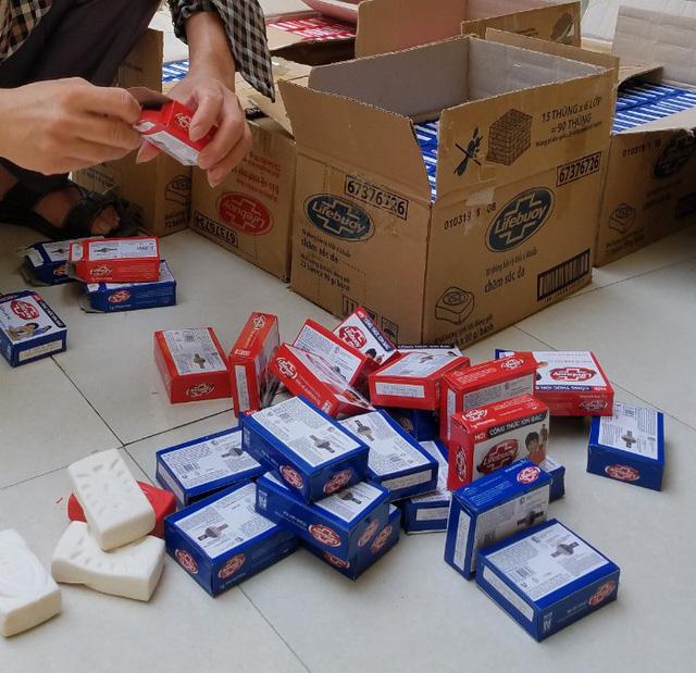 Quản lý thị trường Thanh Hoá tiêu huỷ gần 2000 bánh xà phòng Lifebuoy giả mạo nhãn hiệu (23/7/2019)
