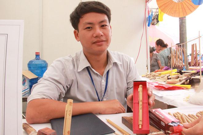 Chàng trai nghèo trở thành giám đốc doanh nghiệp chế tác đồ thủ công, nhờ ý tưởng kinh doanh độc và lạ (28/8/2019)