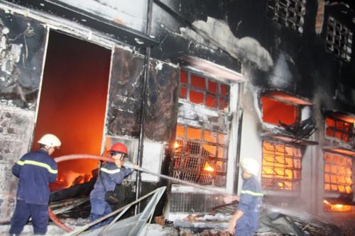 Hà Nội – lại nơm nớp nỗi lo cháy nổ (30/8/2019)