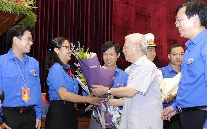 THỜI SỰ 12H TRƯA 27/8/2019: Tổng Bí thư, Chủ tịch nước Nguyễn Phú Trọng gặp các đảng viên trẻ tiêu biểu toàn quốc năm 2019.