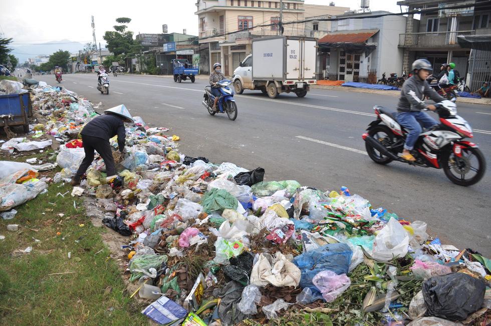 Bãi rác cho các đô thị quá tải và những vấn đề cần giải quyết (20/8/2019)