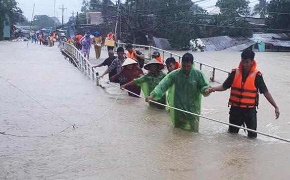 """Mưa xuống đâu, lụt đó: Thấy rõ """"nhân tai""""! (12/8/2019)"""