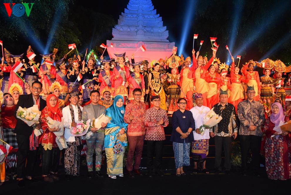 Thanh niên Việt Nam và 40 quốc gia tham dự Học bổng Nghệ thuật và Văn hoá Indonesia (21/8/2019)