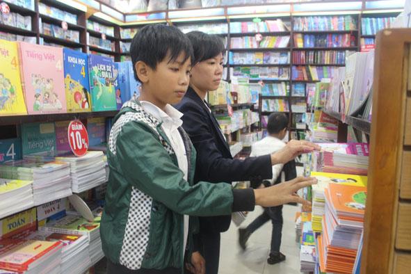 Thị trường cung ứng sách giáo khoa cho năm học mới tại Đắk Lắk (14/8/2019)