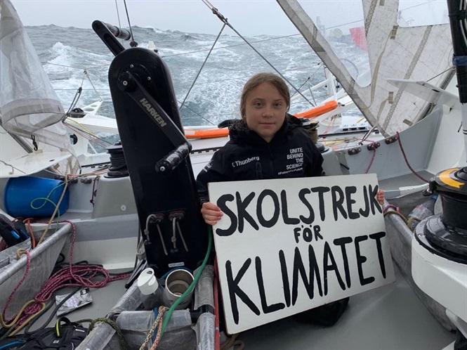 Cô bé vượt Đại Tây Dương bằng thuyền buồm mang thông điệp Biến đổi khí hậu tới Mỹ (19/8/2019)