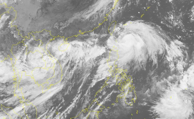 THỜI SỰ 21H30 ĐÊM 3/9/2019: Hai áp thấp nhiệt đới trên Biển Đông nhập thành một, xu hướng mạnh thành bão.