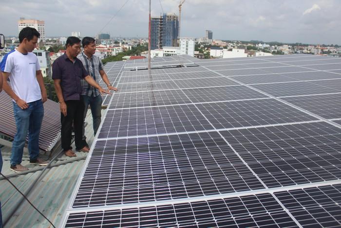 Điện mặt trời áp mái đang phát triển
