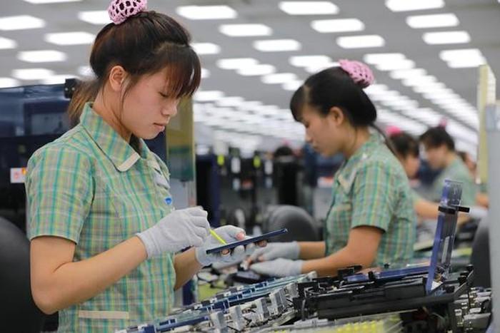 Dư luận đặc biệt chú ý khi Tổng liên đoàn Lao động Việt Nam lấy ý kiến đề xuất có thêm một ngày nghỉ dịp Tết dương lịch và giảm giờ làm xuống 44 giờ/tuần (11/9/2019)