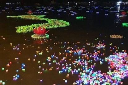 THỜI SỰ 18H CHIỀU 9/9/2019: Giáo hội Phật giáo Việt Nam kêu gọi không thả hoa đăng nhựa và sản phẩm nhựa dùng 1 lần.