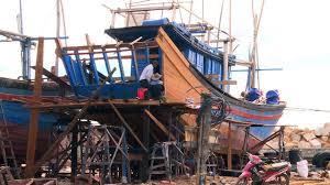 THỜI SỰ 12H TRƯA 15/9/2019: Nhiều ngư dân Phú Yên tự ý cải hoán tàu cá khi chưa có sự chấp thuận của cơ quan chức năng bất chấp những rủi ro có thể xảy ra.