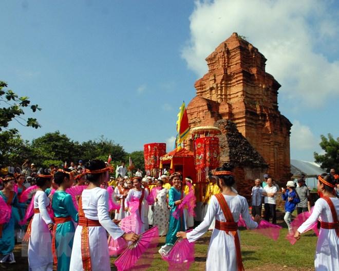 THỜI SỰ 21H30 ĐÊM 28/9/2019: Rộn ràng lễ hội Katê của đồng bào dân tộc Chăm tại Bình Thuận.
