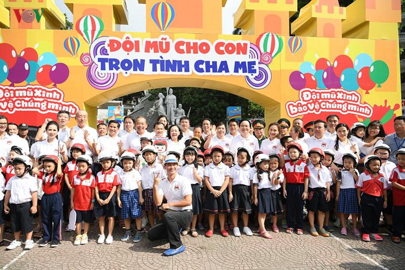THỜI SỰ 18H00 CHIỀU 8/9/2019: Phó Thủ tướng Trương Hòa Bình cùng hàng nghìn người dân Hà Nội tuần hành, vận động toàn dân đội mũ bảo hiểm cho trẻ em