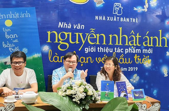 """Cuốn sách mới của nhà văn Nguyễn Nhật Ánh """"Làm bạn với bầu trời"""": Khẳng định thương hiệu nhà văn có sách """"bán chạy"""" nhất (24/9/2019)"""