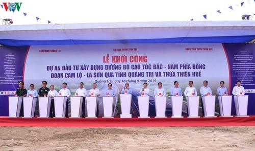 THỜI SỰ 12H TRƯA 16/9/2019: Thủ tướng Nguyễn Xuân Phúc phát lệnh khởi công tuyến Cam Lộ - La Sơn, thuộc Dự án đường bộ cao tốc Bắc – Nam.