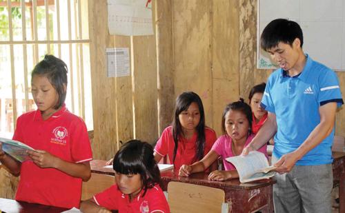 Nâng cao chất lượng sinh hoạt chi bộ - Cách làm mới ở Lai Châu (24/9/2019)