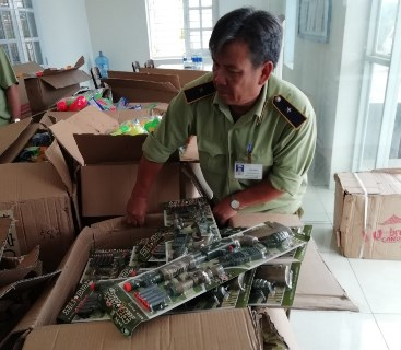 Bình Định: Thu giữ gần 3.000 sản phẩm đồ chơi trẻ em mang tính chất bạo lực (24/9/2019)