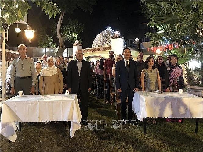 Bà con Việt kiều tại Ai Cập ôn lại các câu chuyện về Chủ tịch Hồ Chí Minh và bày tỏ sự biết ơn vô hạn đối với Người (26/9/2019)