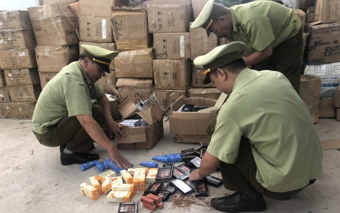 Vĩnh Phúc: Tạm giữ hơn 600 chai tinh dầu thuốc lá và hàng trăm thiết bị thuốc lá điện tử không rõ nguồn gốc (10/9/2019)