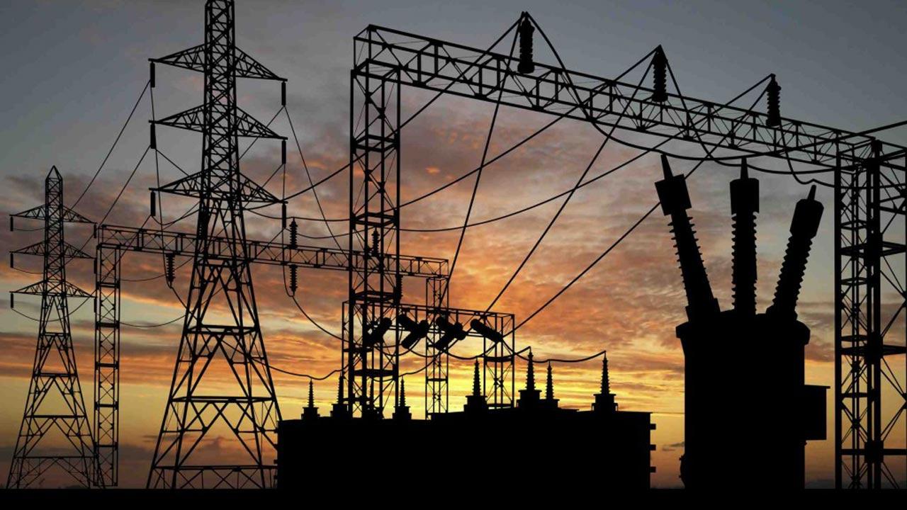 Kỹ sư người Nigieria tự làm máy phát điện để thúc đẩy năng lượng sạch (20/1/2020)