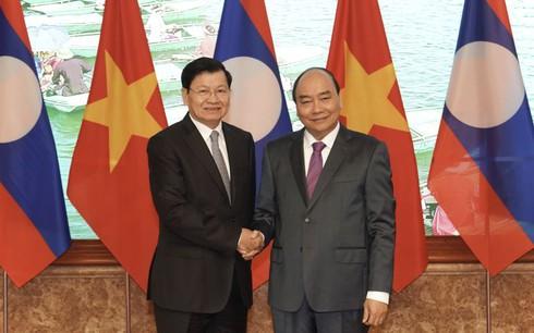 THỜI SỰ 18H00 CHIỀU 4/1/2020: Đồng chủ trì kỳ họp lần thứ 42 - Ủy ban liên Chính phủ Việt Nam - Lào, Thủ tướng Nguyễn Xuân Phúc và Thủ tướng Thongloun Sisoulith nhất trí đưa kim ngạch thương mại song phương năm 2020 tăng trưởng ít nhất từ 10 - 15% và xây dựng chiến lược hợp tác giữa hai nước trong 10 năm tới