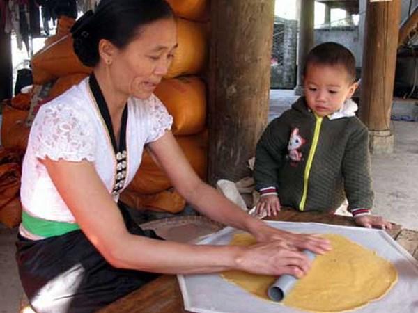 Món ăn ngày Tết của đồng bào dân tộc Thái với tên rất lạ: Khảu chí chọp và bánh xén (21/1/2020)