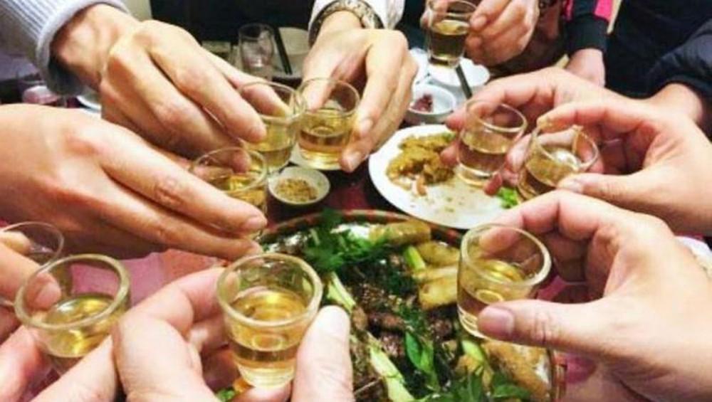 Cảnh báo về việc lạm dụng rượu bia trong dịp Tết (20/1/2020)