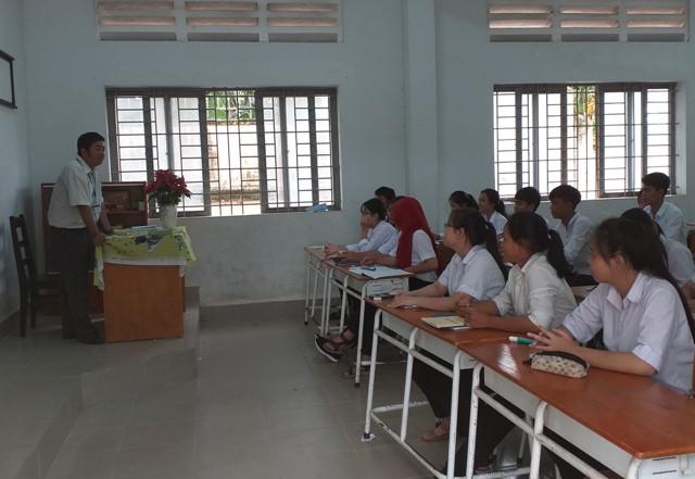 Người thầy tâm huyết với học sinh dân tộc (13/1/2020)