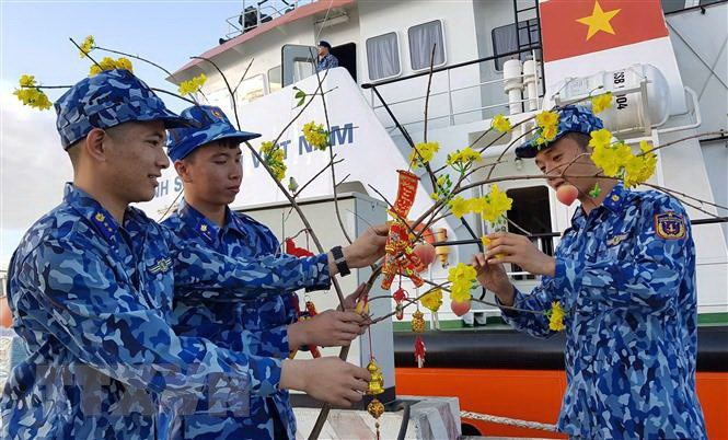 Không khí đón Tết sớm trên tàu cảnh sát biển 9004 (16/1/2020)