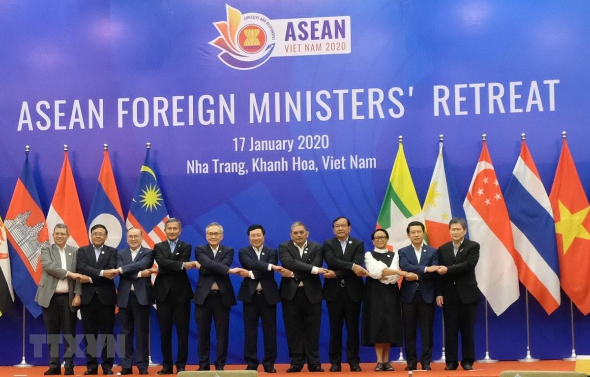 THỜI SỰ 6H SÁNG 18/1/2020: Hội nghị hẹp Bộ trưởng Ngoại giao ASEAN ra Tuyên bố Báo chí gồm 19 điểm, trong đó đánh giá cao chủ đề và các định hướng ưu tiên mà Việt Nam đề xuất cho năm ASEAN 2020.