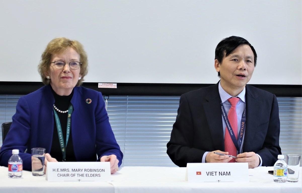 THỜI SỰ 6H SÁNG 12/1/2020: Việt Nam, với vai trò Chủ tịch Ủy ban ASEAN, tổ chức cuộc họp đầu tiên thảo luận các hoạt động của Ủy ban trong cả năm và trao đổi về ưu tiên mà các nước ASEAN sẽ thúc đẩy tại Liên Hợp Quốc trong năm nay.