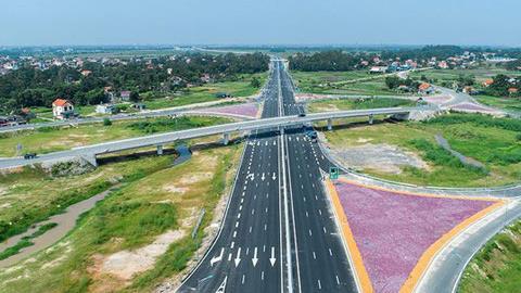 Gỡ nút thắt trong giải phóng mặt bằng ở cao tốc Bắc Nam (8/10/2020)