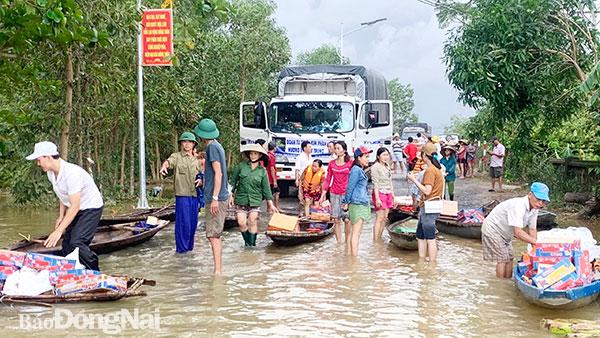 Hành trình chuyến xe cứu trợ về Quảng Bình của các tài xế tỉnh Hòa Bình (29/10/2020)