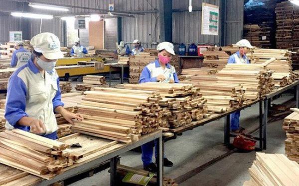 Vượt khó khăn, xuất khẩu gỗ đạt kỷ lục! (01/10/2020)