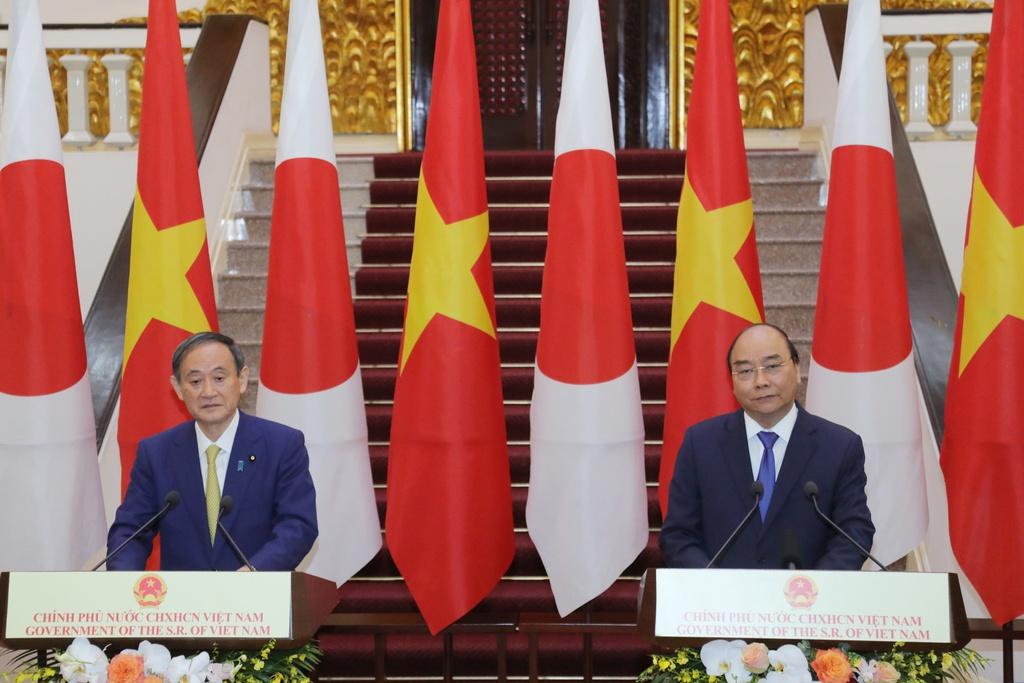 THỜI SỰ 21H30 ĐÊM 19/10/2020: Thủ tướng nước ta Nguyễn Xuân Phúc và Thủ tướng Nhật Bản Suga Yoshihide nhất trí áp dụng quy chế đi lại ưu tiên giữa hai nước, sớm nối lại đường bay thương mại.