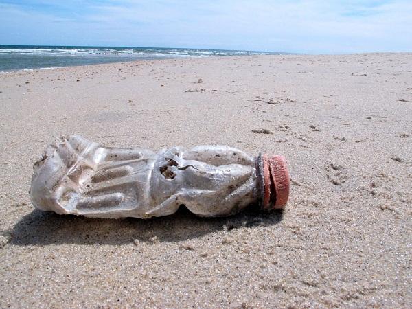 Tình trạng ô nhiễm rác thải nhựa đại dương tại các địa phương ven biển (18/11/2020)