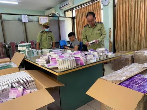 Hà Nội phát hiện cơ sở nhập trôi nổi thuốc kháng sinh để phân phối cho các hiệu thuốc ngoại tỉnh (24/11/2020)
