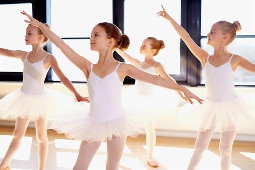 Người chắp cánh ước mơ cho trẻ nhỏ qua điệu múa ballet (2/11/2020)