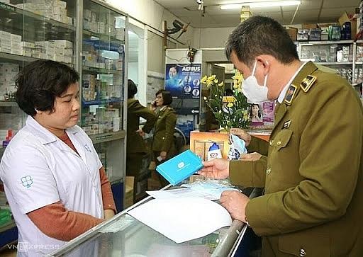 Xử phạt  gần 180 triệu đồng đối với 62 cửa hàng kinh doanh Thiết bị y tế vi phạm (7/2/2020)