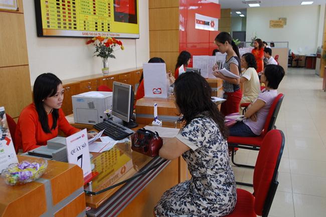 Ngân hàng đẩy mạnh khuyến mãi hút khách hàng giao dịch online (19/2/2020)