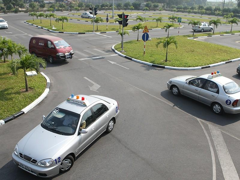 THỜI SỰ 21H30 ĐÊM 29/2/2020: Không có chuyện phí đào tạo lái xe ô tô tăng lên 30 triệu đồng
