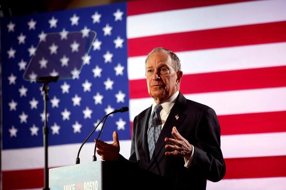 Tỷ phú Bloomberg đối mặt với những công kích ngay tại buổi tranh luận trực tiếp trong cuộc đua vào Nhà Trắng (20/2/2020)