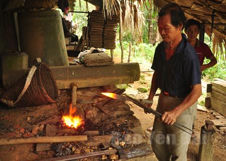 Bảo tồn nghề rèn truyền thống của người Mông ở Mù Cang Chải, tỉnh Yên Bái (29/2/2020)