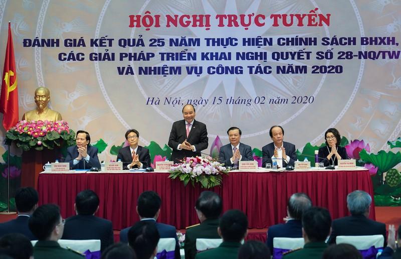 THỜI SỰ 12H TRƯA 15/2/2020: Thủ tướng chủ trì Hội nghị trực tuyến toàn quốc đánh giá kết quả 25 năm thực hiện chính sách Bảo hiểm xã hội, Bảo hiểm y tế.