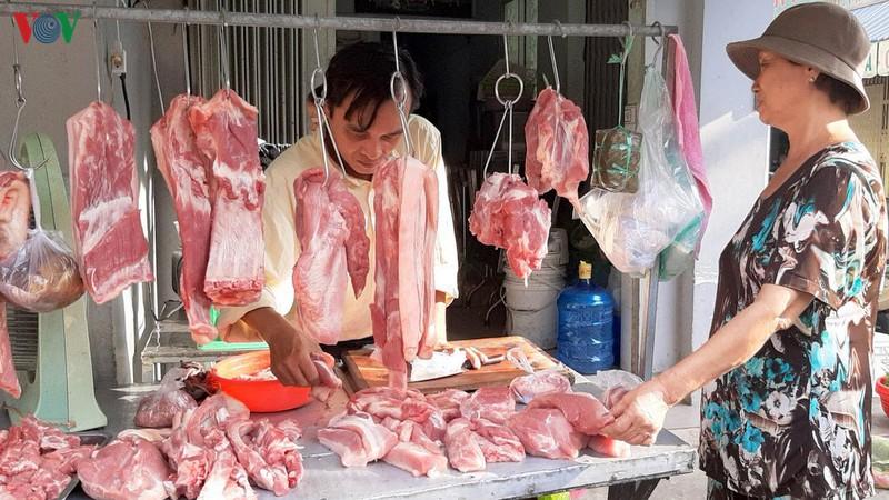 Vì sao giá thịt lợn trên thị trường vẫn ở mức cao, đặc biệt tại các siêu thị? (20/2/2020)