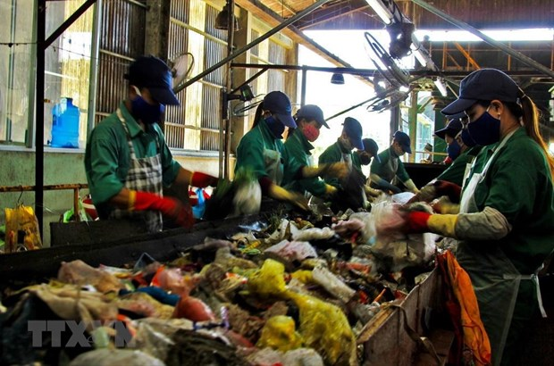 Giải pháp nào cho vấn đề ô nhiễm rác thải nhựa tại Việt Nam (17/2/2020)