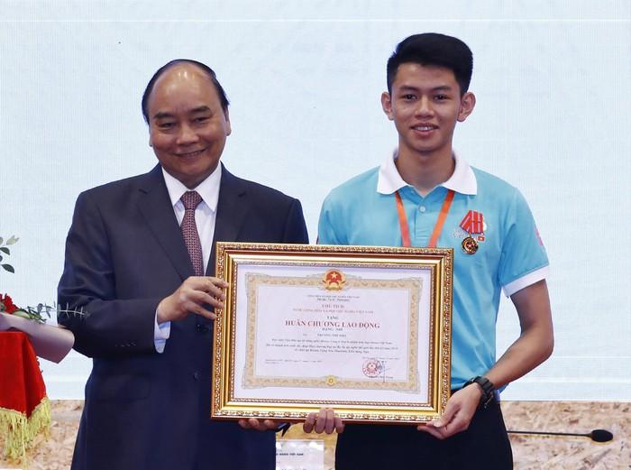 Hành trình đến với giải Bạc cuộc thi tay nghề thế giới của chàng trai trẻ Trương Thế Diệu (1/3/2020)